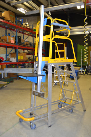 Mobile Ladder with Lift-O-Flex Lifting Platform ­