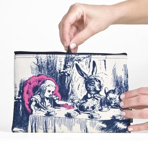 Zipped Pouch - Alice in Wonderland