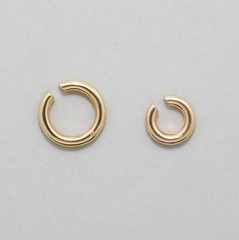 Saskia Diez - Bold Ear cuff No. 2 - Gold plated
