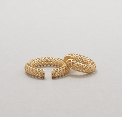 Saskia Diez - Mesh Ear cuff No 2 Big - Gold plated