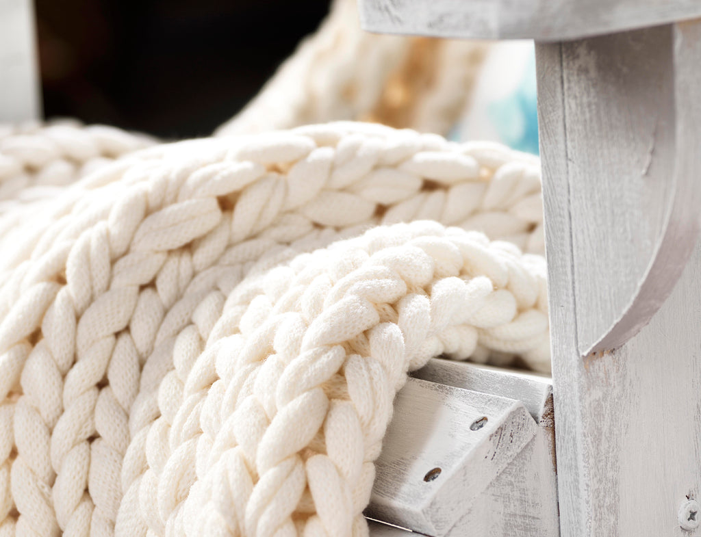 Coastal Style Collection - Sailor's Knot Throw
