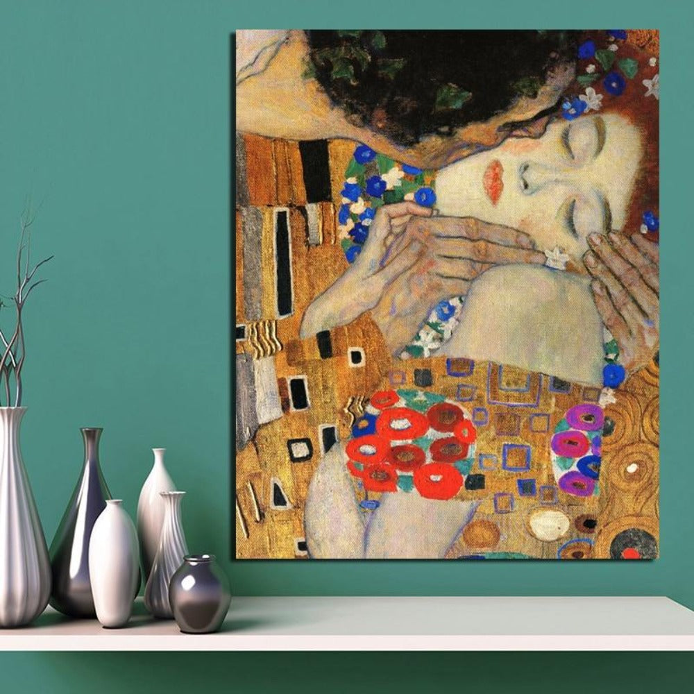 SYMBOL OF  LOVE ATTRACTS A GREAT LOVE Gustav Klimt Kiss Art