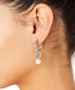 SINGLE SMALL DOUBLE HOOP EARRING WITH RIVER PEARL