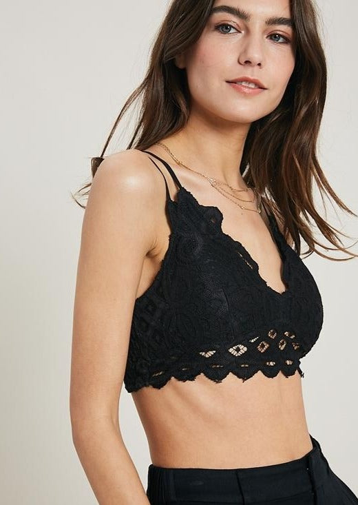 Wishlist Scalloped Lace Bralette (Black)