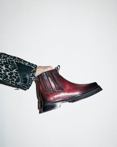 CHELSEA PILGRIM BOOT IN BORDEAUX