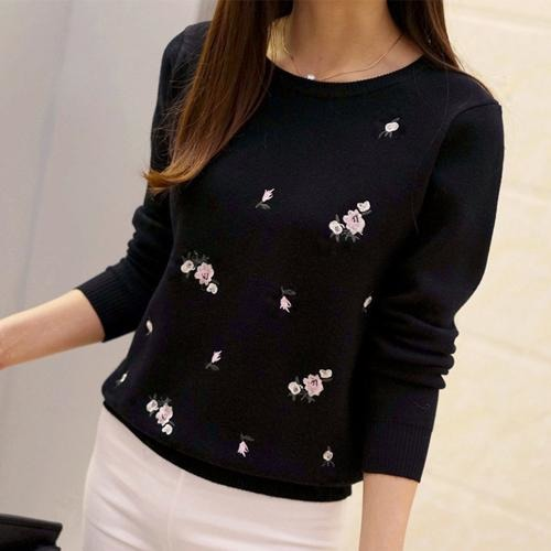 Tops 2018 Embroidery Floral Knitted Sweater Women Winter Sweater And Pullover  Female Winter Top Tricot Jumper Pull Femme c9fd8484c