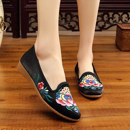 Flowers Embroidered Flats Shoes