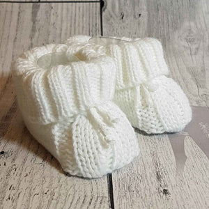 Unisex Cute White Knitted Booties Newborn to 6 months