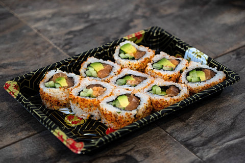 Spicy Salmon Uramaki (Salmon, Avocado, Cucumber, Mayonnaise)