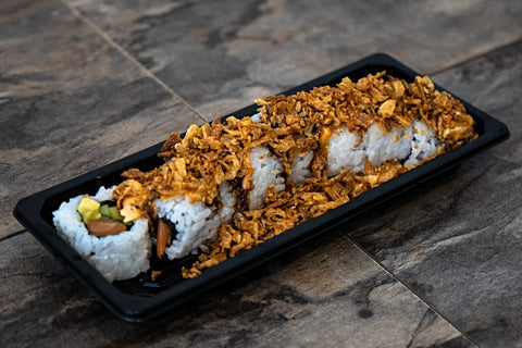 Crunchy Salmon Roll (Salmon, Avocado, Cucumber, Fried Onion)