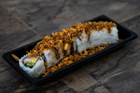 Crunchy California Roll (Surimi, Avocado, Cucumber, Fried Onion)
