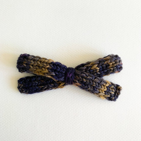Hocus Pocus - Knitted Bow