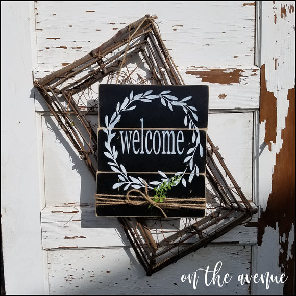 Welcome Latte ~ Wood Door Hanger