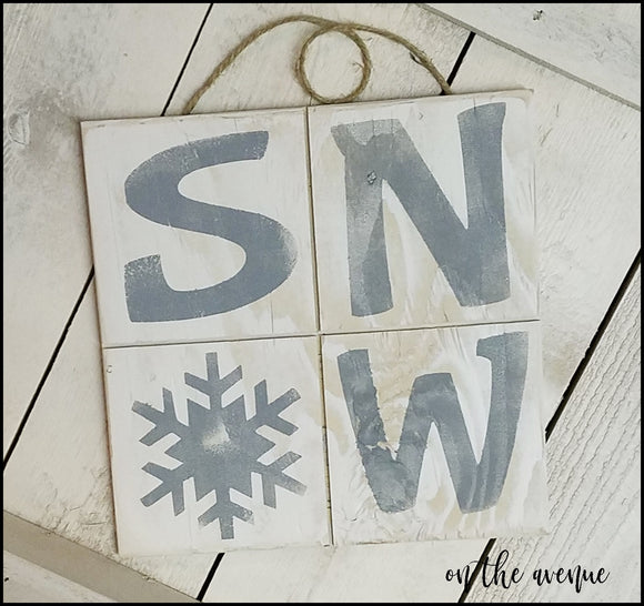 SNOW w/Flake Door Hanger