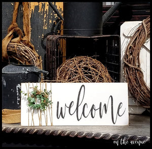Welcome w/Wreath Door Hanger