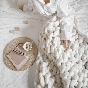 Calescent Chunky Knit Blanket