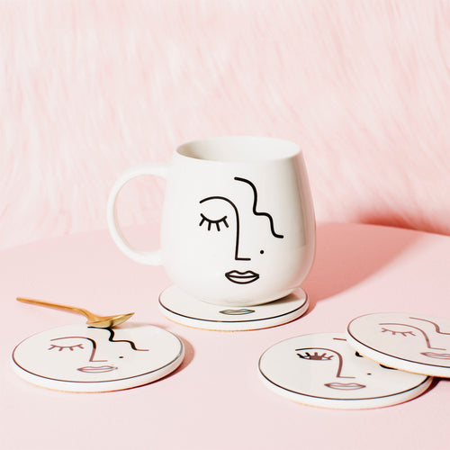 "Sass & Belle Tasse ""Abstract Face"""