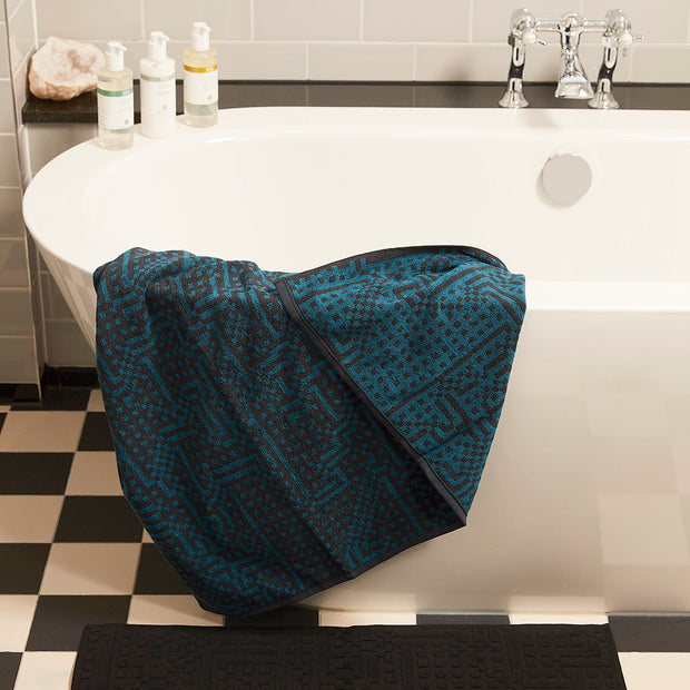 Route Dark Blue Towel