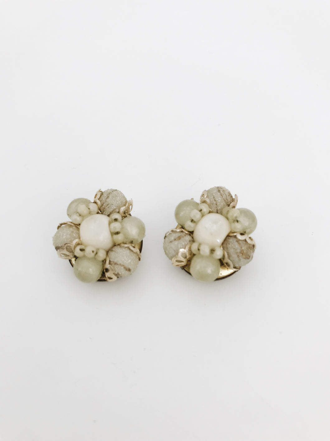 arlee park vintage sage colored circle clip-on earrings