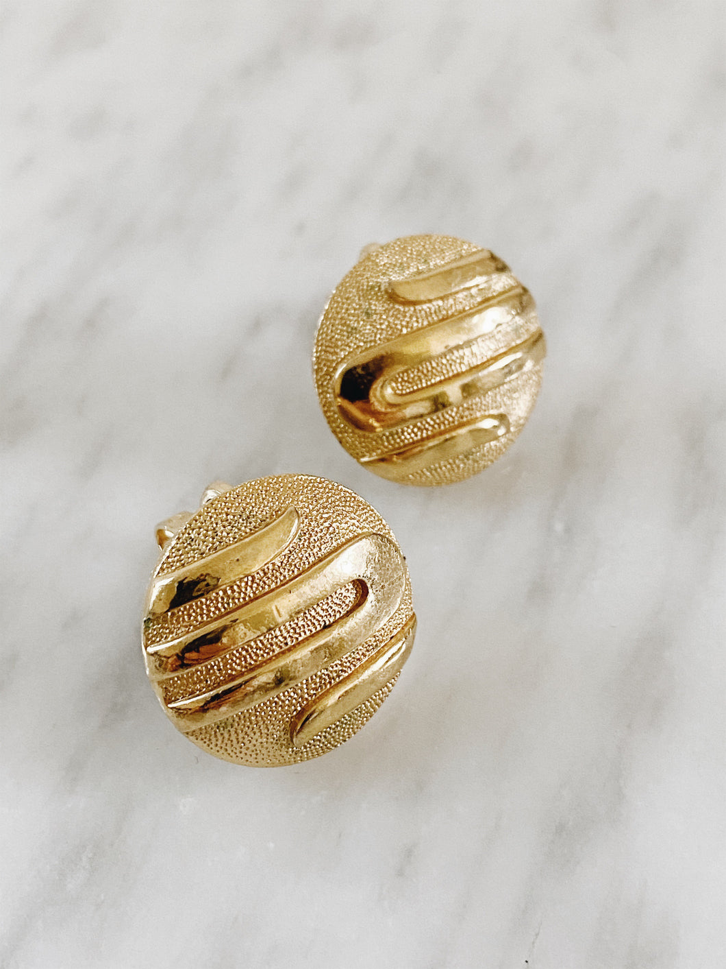 GOLD TRIFARI <BR> CLIP EARRINGS