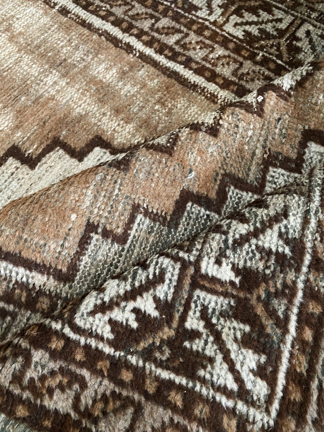 HAND-KNOTTED <BR> PERSIAN RUG