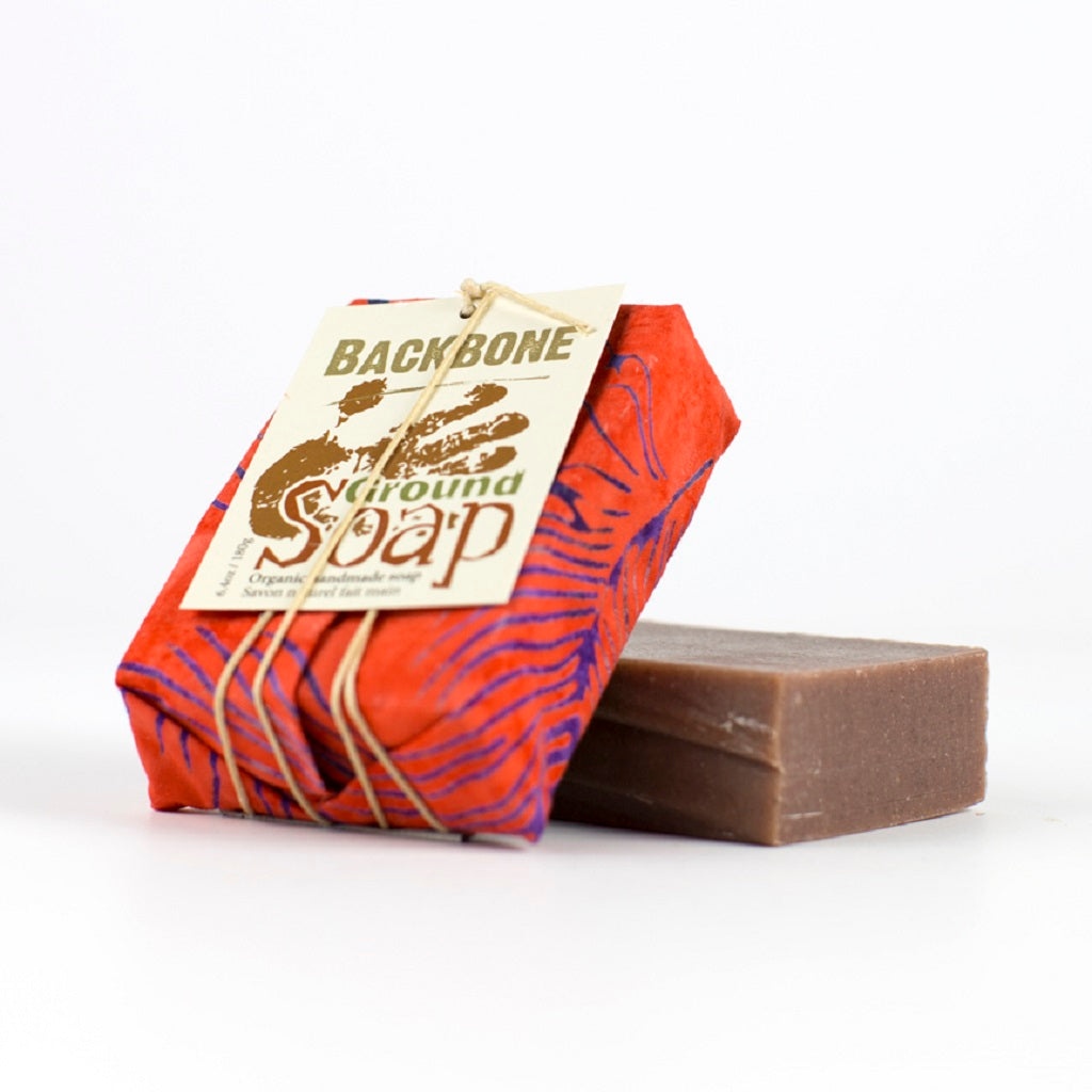 Savon BACKBONE à la cannelle et au clou de girofle, saponifié à froid - Ground soap