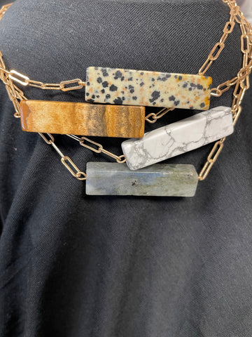 Short Chain Necklace with Stone Bar Pendant