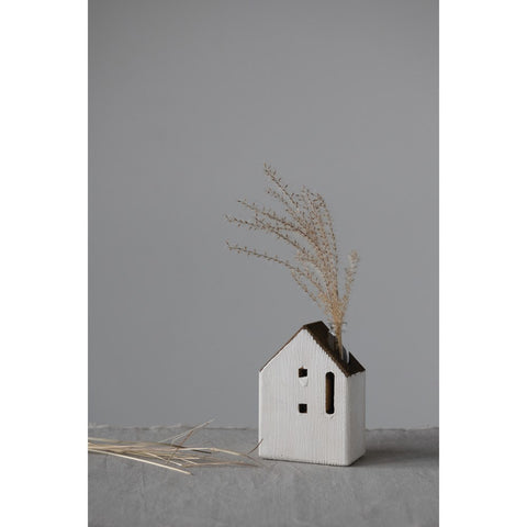 "4""L x 2.5""W x 5.5""H Reclaimed Wood House with Vase"