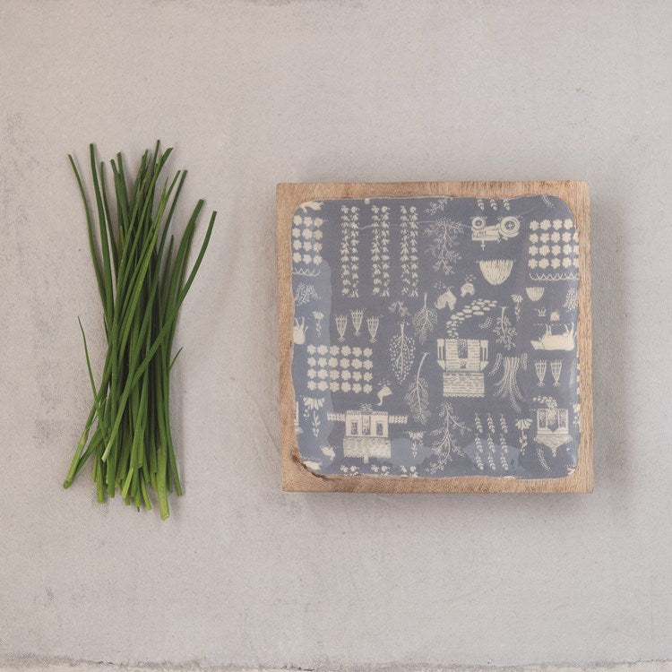 "8"" Blue Square Enameled Mango Wood Tray with Farm Print"