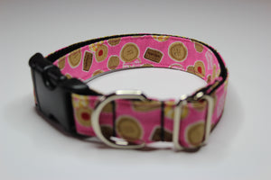 "Buckle Collar in ""Biscuits"""