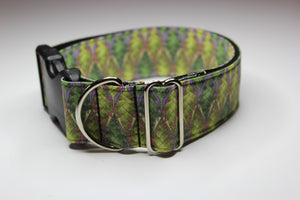 "Buckle Collar in ""Pretty Green"""