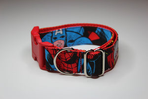 "Buckle Collar in ""Marvel"""