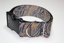 "Buckle Collar in ""Paisley"""