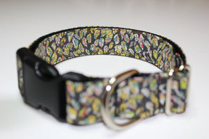 "Buckle collar in ""Leaves (Yellow)"""
