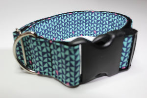 "Buckle Collar in ""Triangles"""