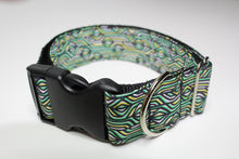 "Buckle Collar in ""Deco (Green)"""