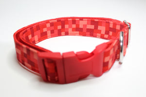 "Buckle Collar in ""Pixelated"""