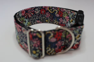 "Buckle Collar in ""Coral"""