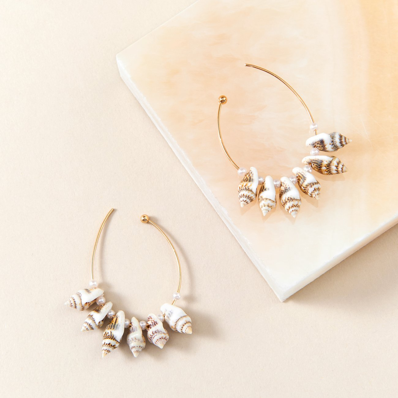 Lolita Mini Earrings | Shell