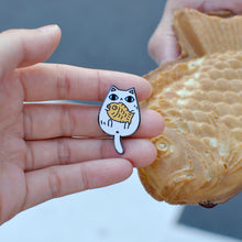 taiyaki cat pin by Noristudio white cat enamel pin