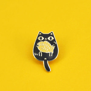 black cat pin by Noristudio