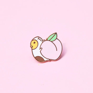 Noristudio Peach and Guinea pig enamel pin