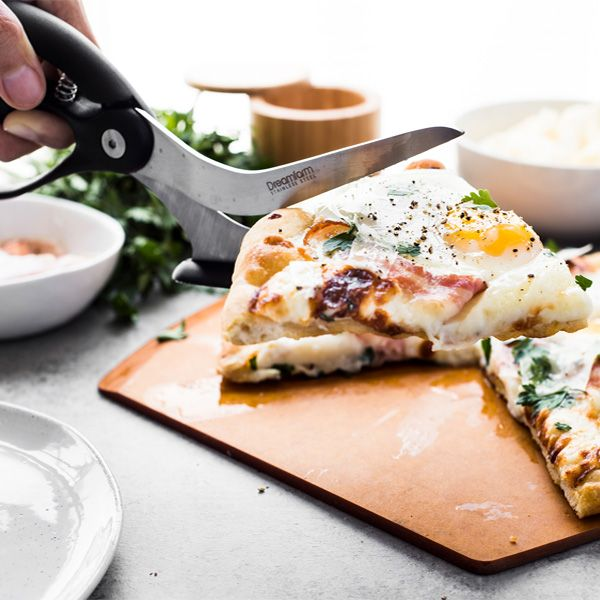 Dreamfarm Scizza: Pizza Cutter That Perfectly Slices Pizza on Any Surface