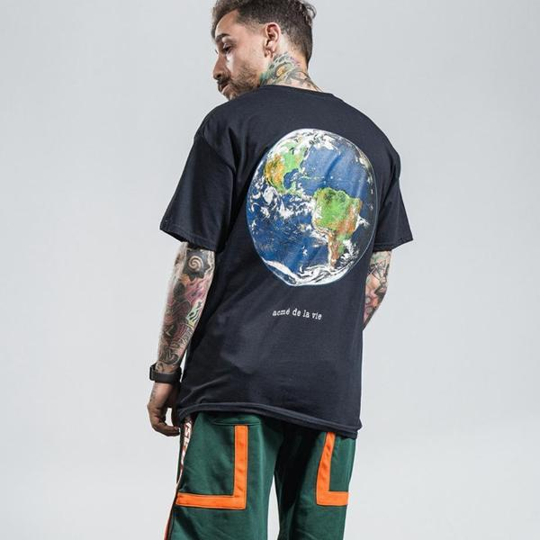 Life, United Graphic T-Shirt - CLOUT COLLECTION