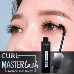 Wide-Angled Rotating Brush Mascara