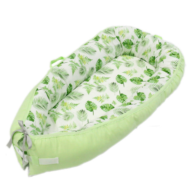 Multifunctional Portable Baby-Nest - Green Tropical
