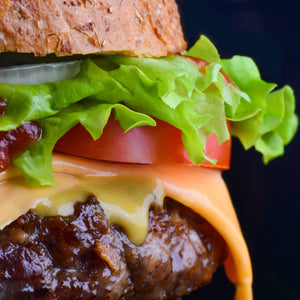 Dare tell me you didn't drool watching this home made BLT cheese burger 完璧ホームメイドBLT チーズバーガ 旨いよ