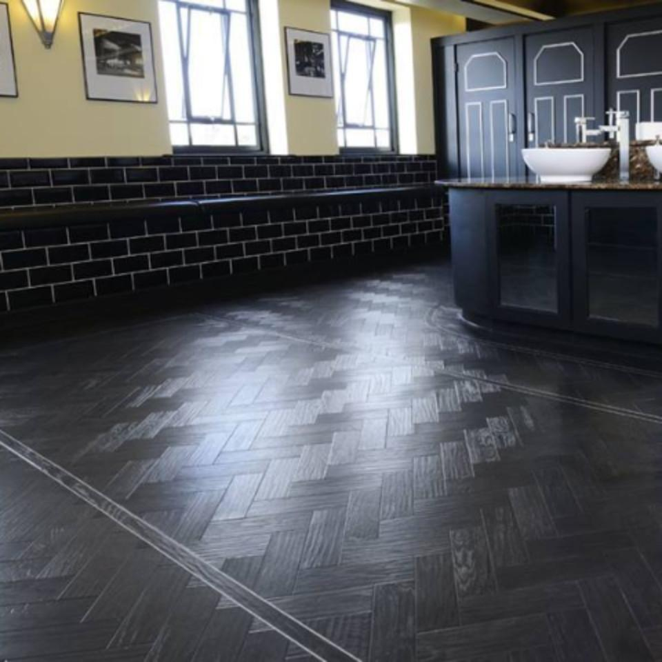 MV1115 Black Oak Parquet – Molyneaux Tile Carpet Wood