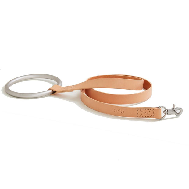 Circular Handle Leather Leash in Natural and Silver
