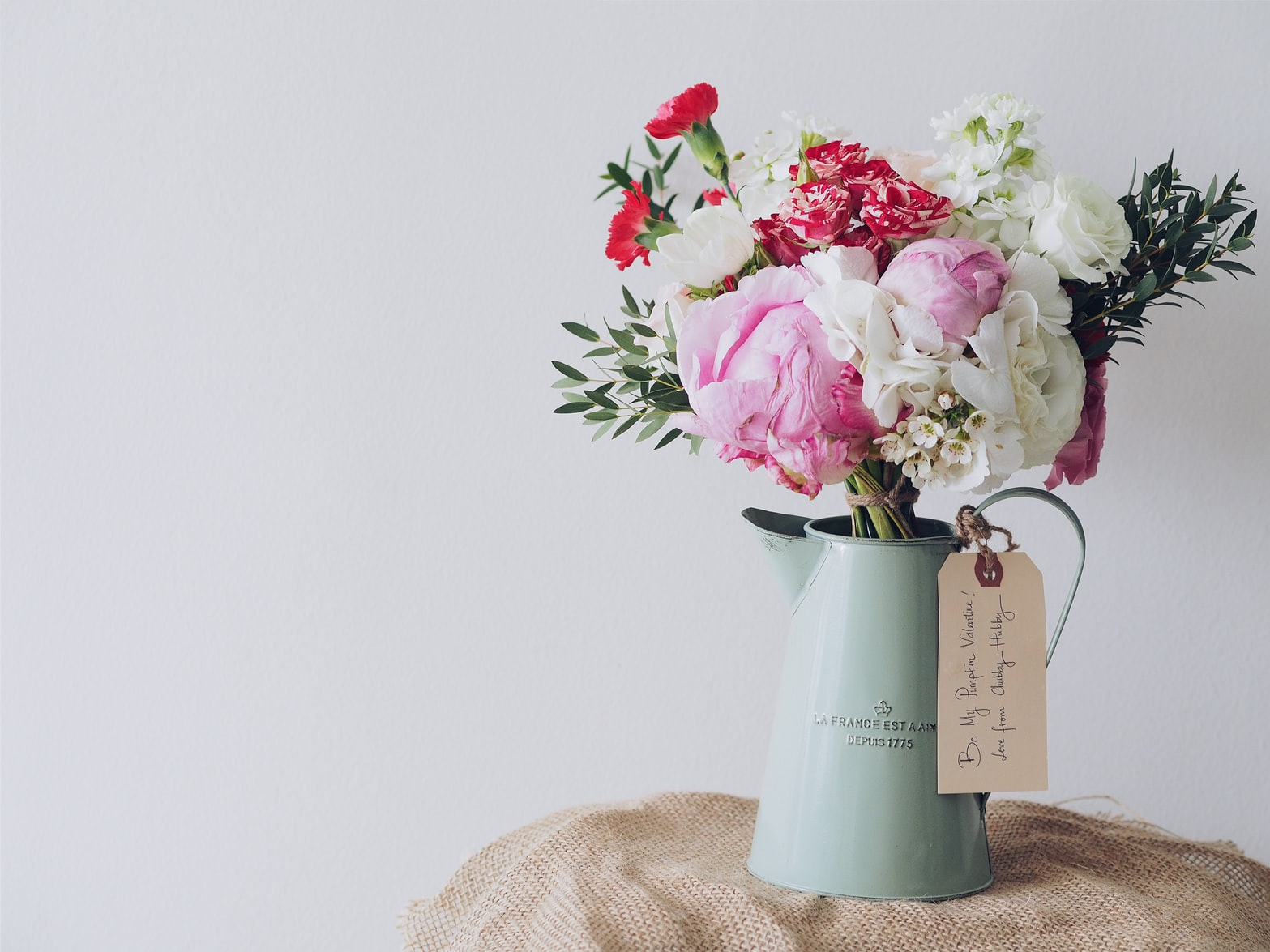 5 Mindful Mother's Day Gift Ideas to Excite the Senses